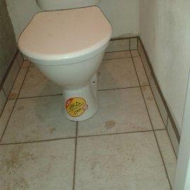 usazení wc