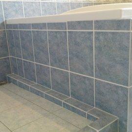 obložení vany, sprchového koutu