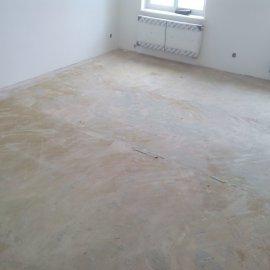 stržený koberec