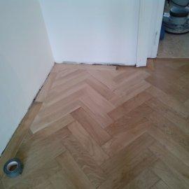dokládka scházející části podlahy