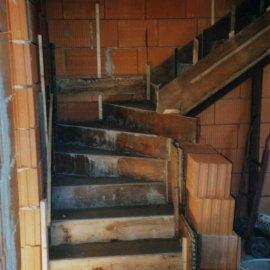 vybetování schodiště