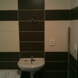 obklady a dlažby v zrekonstruované koupelně