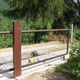montáž plaňek na bránu