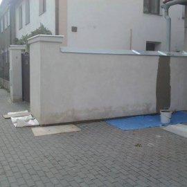 fasáda před rekonstrukcí