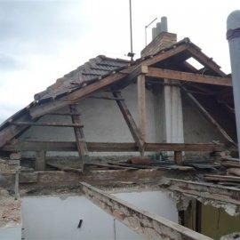 demolice střechy