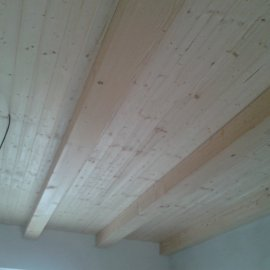obložení stropu dřevem