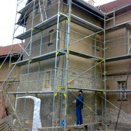 oklepání fasády