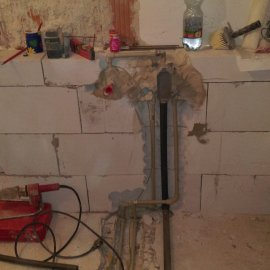Praha 5 - Košíře -  Rekonstrukce koupelny a WC - rozvody instalací