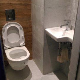 Praha 5 - Košíře -  Rekonstrukce koupelny a WC - toaleta s umyvadlem