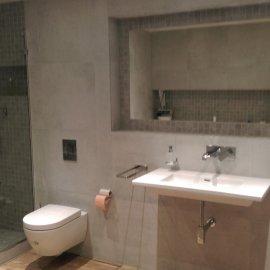 Praha 5 - Košíře -  Rekonstrukce koupelny a WC - zrcadlo