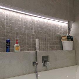 Praha 5 - Košíře -  Rekonstrukce koupelny a WC - osvětlené zrcadlo