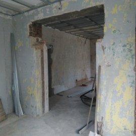 Rekonstrukce bytu na podkovce - průchod