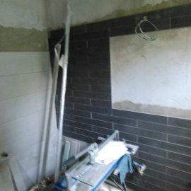 Rekonstrukce bytu na podkovce - vestavné zrcadlo