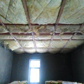 sádrokartonové příčky a podhledy - tepelná izolace