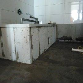 Rekonstrukce Sokolská - obezdění vany