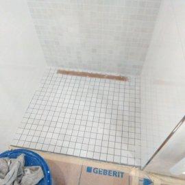 Rekonstrukce Sokolská - obložení sprchového koutu
