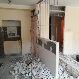 Rekonstrukce bytu Dejvice - bourací práce