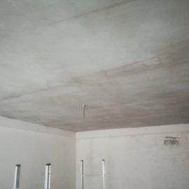 Rekonstrukce bytu Dejvice - natažení stropu lepidlem