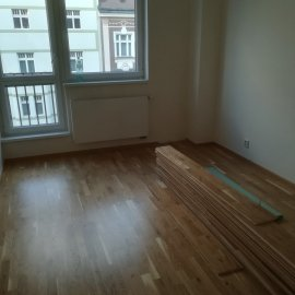 Rekonstrukce bytu Dejvice - podlaha