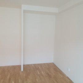 Rekonstrukce bytu Dejvice - nika pro vestavěnou skříň