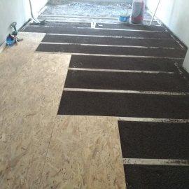 Kompletní rekonstrukce bytu Praha Nusle - vyrovnání podlahy