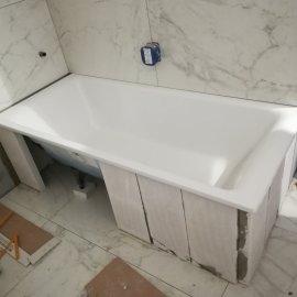 Kompletní rekonstrukce bytu Praha Nusle - obezdívka vany
