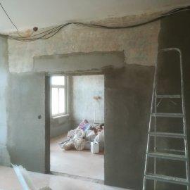 kompletní rekonstrukce bytu Praha 3 - zvětšený stavební otvor pro dvojkřídlé dveře