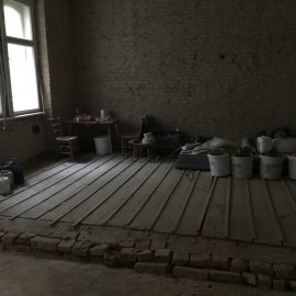 Rekonstrukce dvou bytů - prkenná podlaha