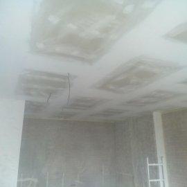rekonstrukce bytu v Praze 10 - vytmelený sádrokartonový podhled