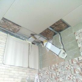 rekonstrukce bytu v Praze 10 - vzduchotechnické vedení od digestoře