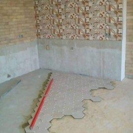 rekonstrukce bytu v Praze 10 - šestistranná dlažba
