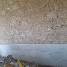 rekonstrukce bytu v Praze 10 - předstěn z ytongu