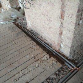 rekonstrukce bytu v Praze 10 - rozvod topení