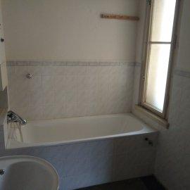 rekonstrukce bytu v Praze 10 - původní koupelna