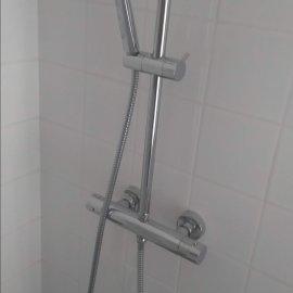 Rekonstrukce 3+kk Praha 10 - přisazená sprchová baterie