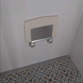 Rekonstrukce 3+kk Praha 10 - sedátko do sprchy