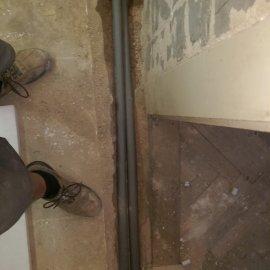 Praha 10 - rekonstrukce koupelny - rozvody vody