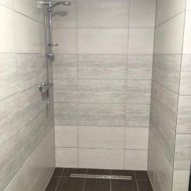 Rekonstrukce tří bytových jednotek v RD - sprchový kout
