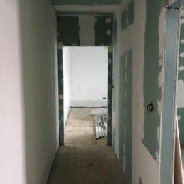 Rekonstrukce tří bytových jednotek v RD - příčka
