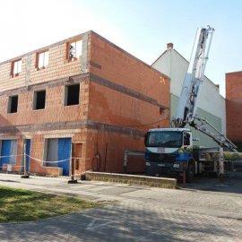 Hodonín - Výstavba polyfunkčního domu - dokončení druhého patra