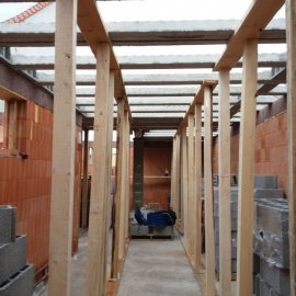 Hodonín - Výstavba polyfunkčního domu - vzpěry