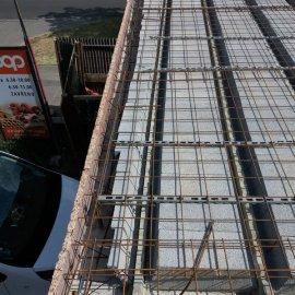 Hodonín - Výstavba polyfunkčního domu - dokončovací práce stropu