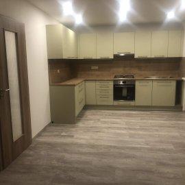 Rekonstrukce bytu v Bráníku - kuchyně