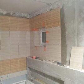 Rekonstrukce bytu v Bráníku - montáž obkladů