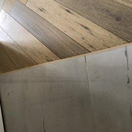 částečná rekonstrukce bytu - přechod dlažby