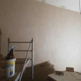 částečná rekonstrukce bytu - štukovaná stěna