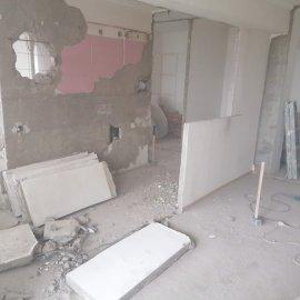 kompletní rekonstrukce bytu 3+1 - bourání