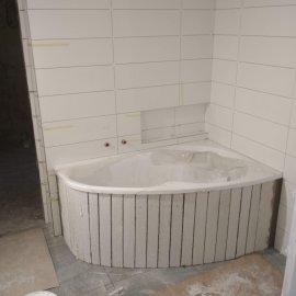 kompletní rekonstrukce bytu 3+1 -  vana - před