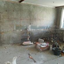 kompletní rekonstrukce panelákového bytu - bourací práce