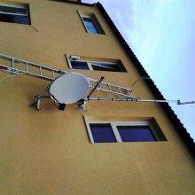 Veleň - montáž satelitního systému